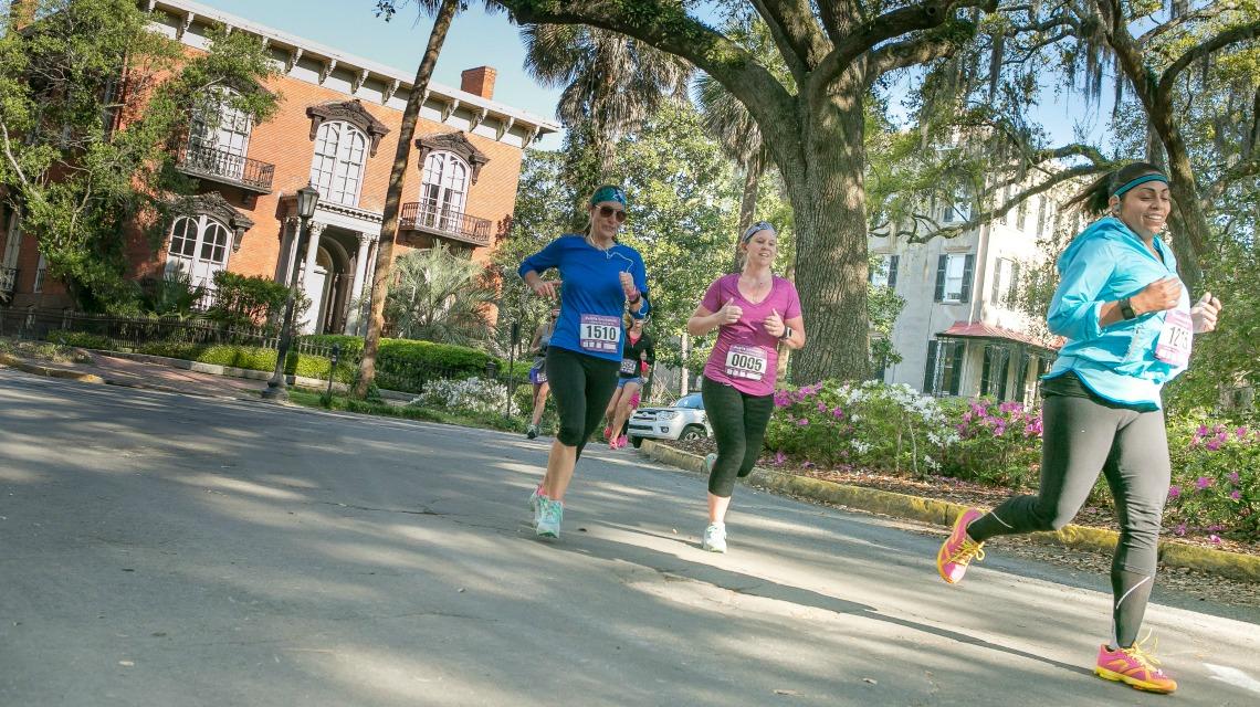 Active retirement in Savannah - jogging